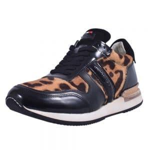 Sneakers_9102_Nikki_1